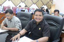 DPRD Padang Desak Dishub Atasi Kendaraan Parkir di Badan Jalan
