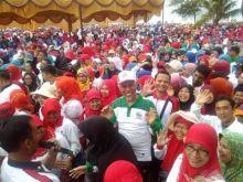 Tumpah Ruah di Pantai Padang, 12 Ribu Guru Beri Contoh Teladan Menjaga Kebersihan