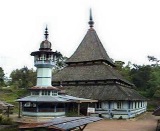 Mari Berkunjung ke Masjid Bingkudu Ampek Angkek Canduang, Mesjidu Tua Bisa Membuat Hati Tenang