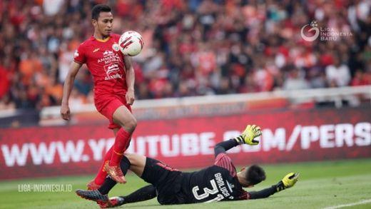 Osvaldo Haay Olahraga Bersama Saudara Hilangkan Suntuk