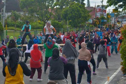 Car Free Day Kota Padang Panjang Diisi Dengan Senam Kesehatan