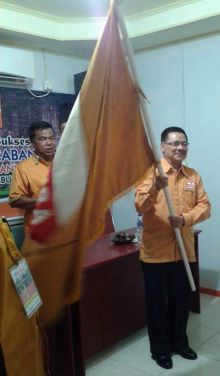 Bendera Partai Hanura Payakumbuh Berkibar di Tangan Basri Latief