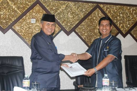 DPRD Paripurnakan Ranperda SOTK dan RPJP Pemko Padang