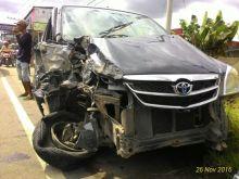 Pecah Ban, Tiga Mobil Ini Alami Tabrakan Beruntun di Ruas Jalan Bukittinggi - Payakumbuh