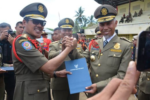Gubernur Apresiasi Satpol PP Kota Padang, Tertibkan Destinasi Wisata Tanpa Kekerasan