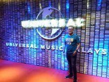 Sukses Bersama Universal Music di Malaysia, Pelantun Lagu Tamanuang Hengky Hepon Donasikan Penghasilannya Bangun 3 TPA di Kampung Halamannya, Solok Selatan