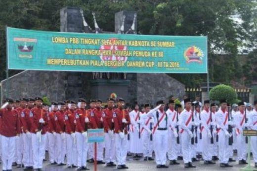 SMAN 1 Payakumbuh dan SMAN 2 Painan, Juara I dan II Lomba PBB Bersenjata Antar SLTA Se-Sumbar di Korem 032/Wirabraja