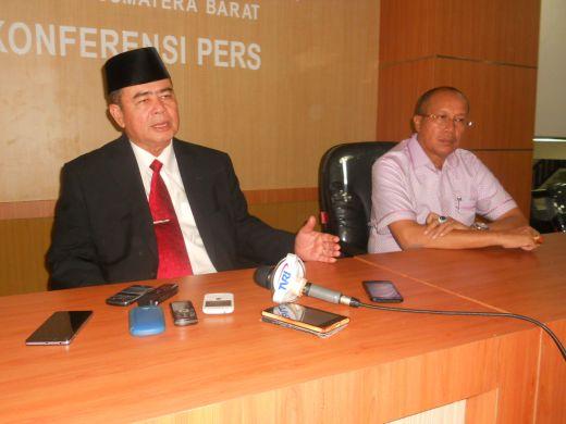 DPRD Sumbar Sahkan Hasil Pilgub Sumbar 2015, Nasrul Abit: Biduak Lalu Kiambang Batauik