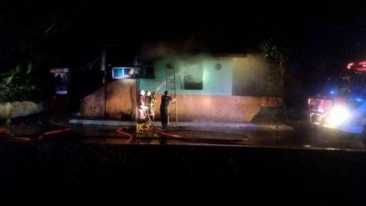 Jelang Pagi, Kedai Milik Ni Da Ludes Terbakar di Padang Panjang Barat