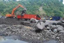 Warga Minta Pemkab Pasaman Barat Hentikan Aktivitas Galian C di Gunung Tuleh