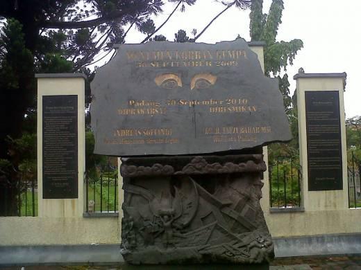 Peringati Gempa Dahsyat 30 September 2009, Tugu Gempa Kota Padang Jadi Pusat Kegiatan