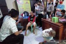 Sempat Dihajar Massa, Warga Padang Terduga Pencuri Mobil Akhirnya Diamankan Polisi