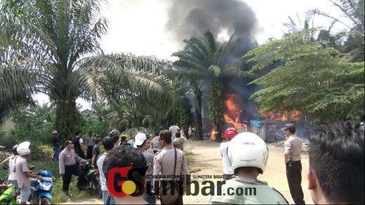 Breaking News: Dipicu Sengketa Tapal Batas Sijunjung-Dharmasraya, Puluhan Rumah Dibakar