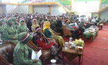 Gunakan Ikat Kepala Pita Merah Putih, Ribuan Orang Ikuti Apel Nasional Nusantara Bersatu di Gor Rang Agam