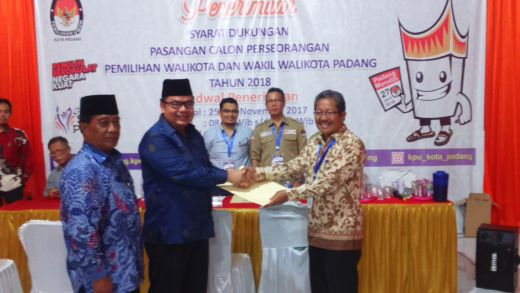 Bawa 56.563 Syarat Dukungan, Alkudri-Syafril Basir Mendaftar ke KPU Padang Lewat Jalur Perseorangan