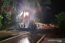 Jalan Bukittinggi - Pasaman Barat Sudah Bisa Dilewati Pasca Longsor