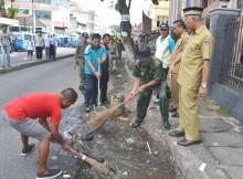onde-mande-banyak-sampah-di-depan-masjid-taqwa-muhammadiyah-padang