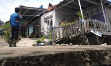 Tanah Retak di Sawahlunto, 16 Rumah Penduduk Rusak